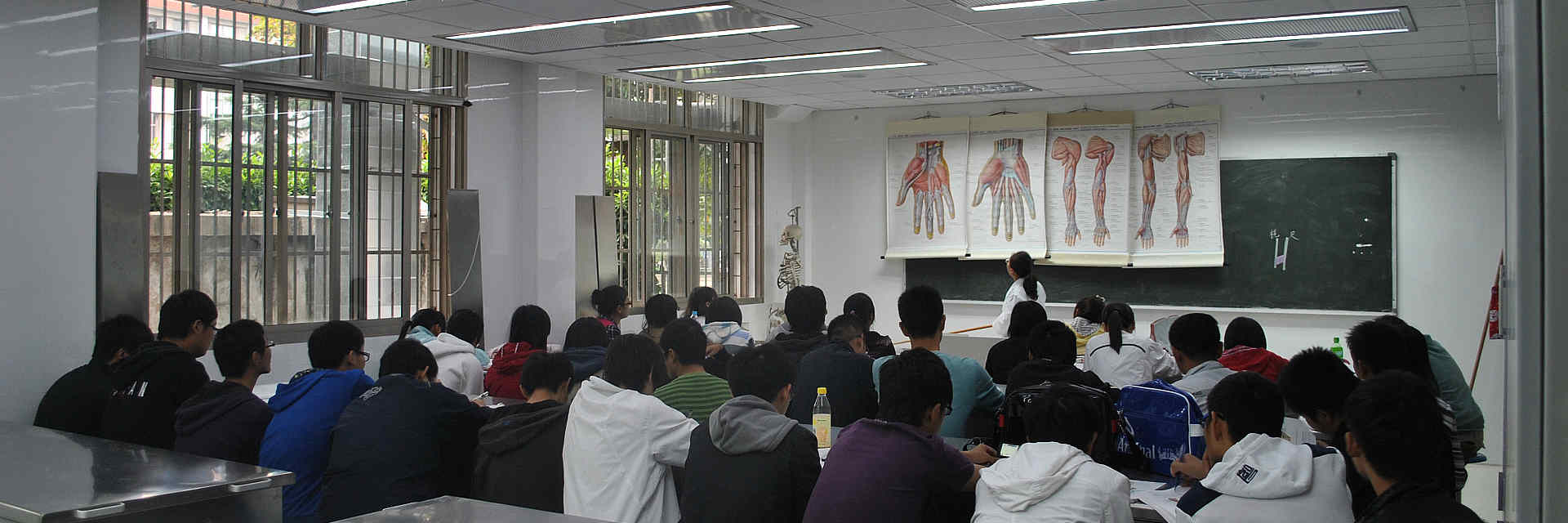 医学院解剖室空气净化